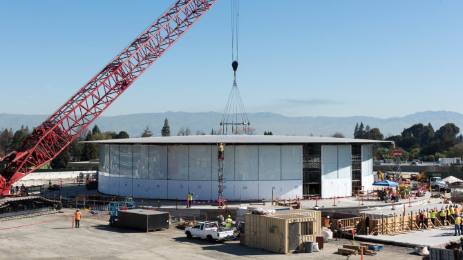 """Apple Campus 2"" statyba. Nuotrauka: Apple/Mashable"