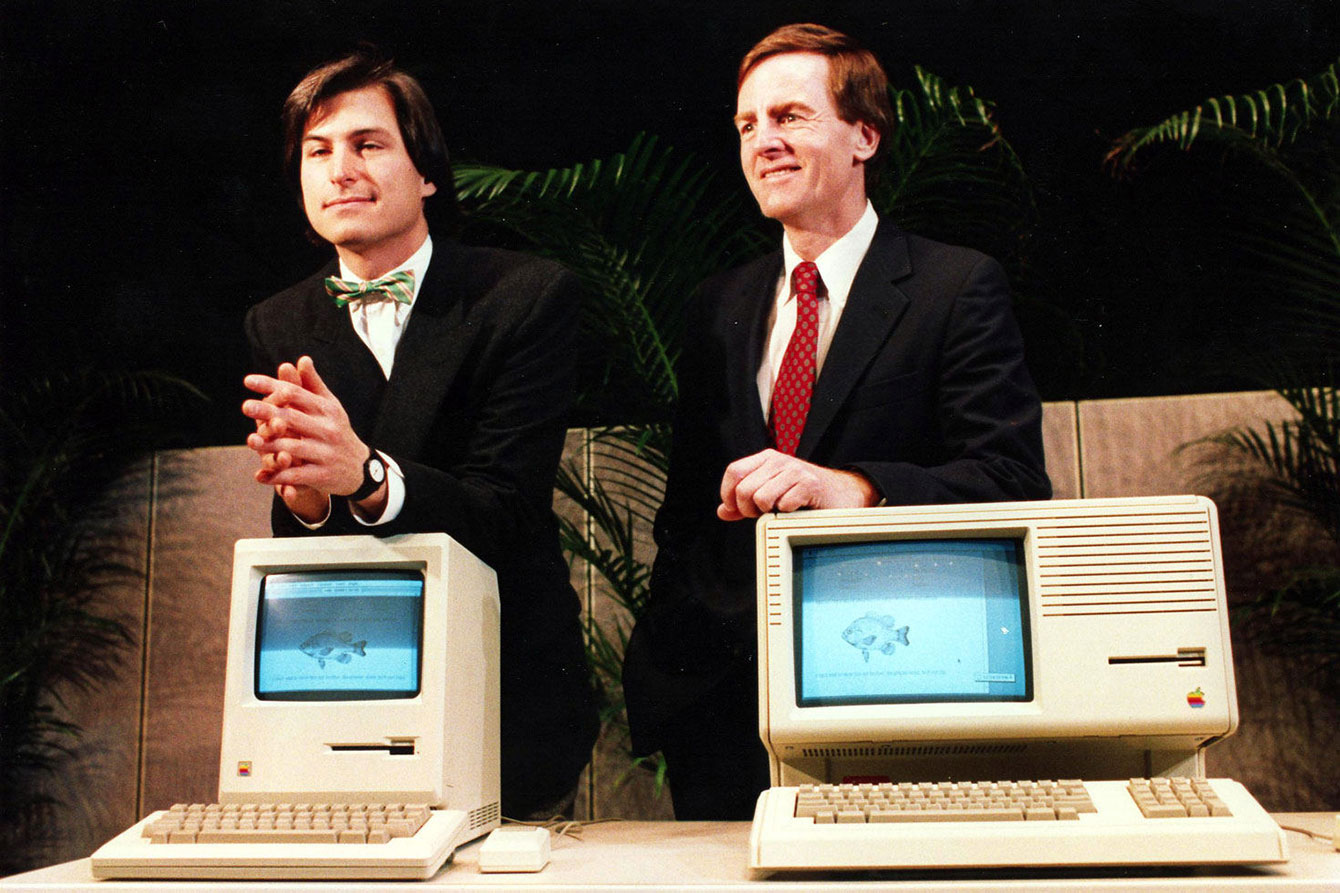 Steve Jobs ir John Sculley
