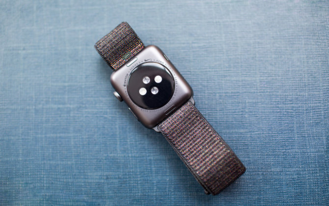 42mm Apple Watch SERIS 3 Nike+ nugarėlė ir jutikliai