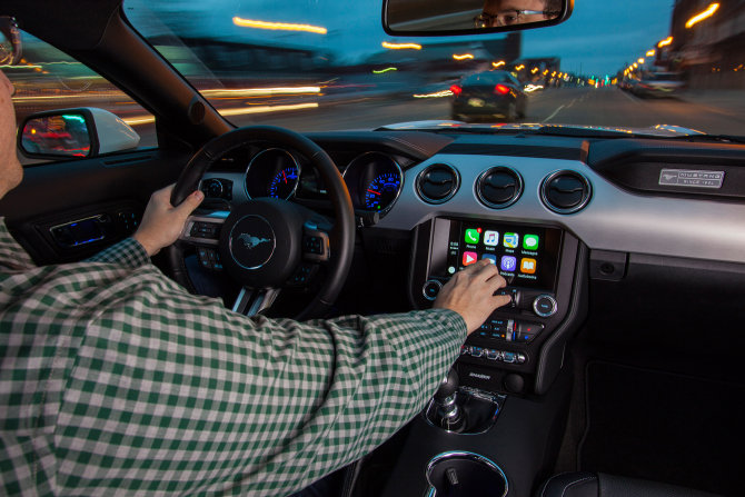 Ford Mustang - Apple CarPlay