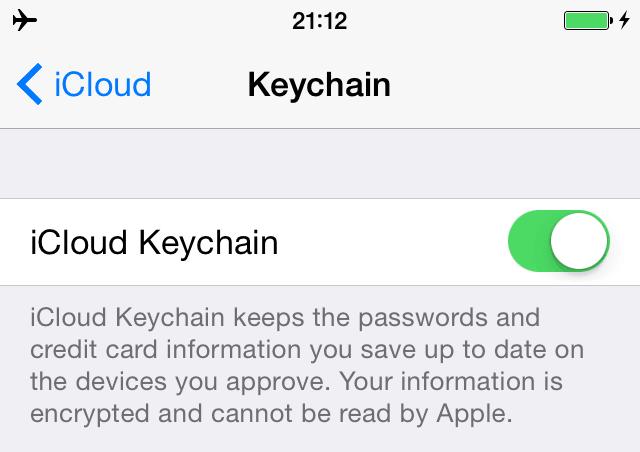 iCloud Keychain paslauga įjungta